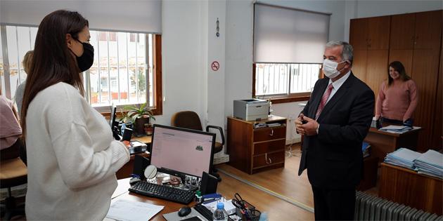 Sennaroğlu, meclis personeli ile bir araya geldi