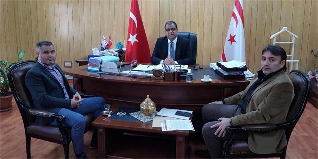 Bakan Sucuoğlu Kamu-Sen Başkanı Atan'ı kabul etti