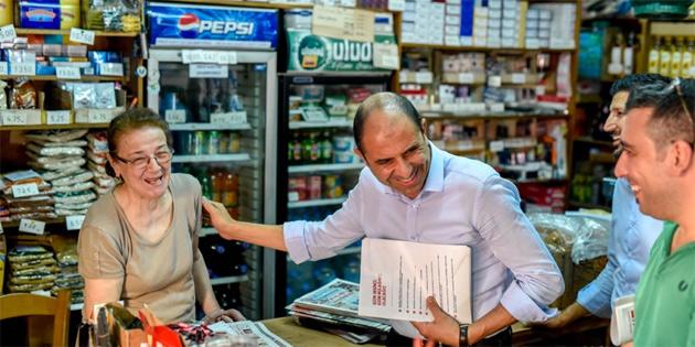 HP, Lefkoşa Taşkınköy'de esnafı ziyaret etti