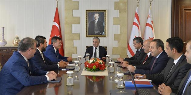 Cumhurbaşkanı Akıncı, YDP Genel Başkanı Arıklı ile bir araya geldi