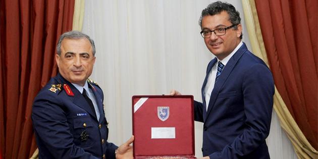 Başbakan Erhürman, TSK temsilcisi Gülan ve Barış Kuvvetleri Komutanı Yıldırım'ı kabul etti