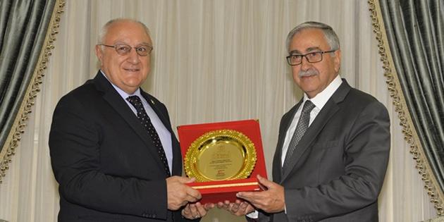 Akıncı, İyi Parti Genel Başkan Yardımcısı Erozan'ı kabul etti