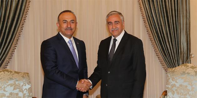 Akıncı, TC Dışişleri Bakanı Çavuşoğlu'yla bir araya geldi