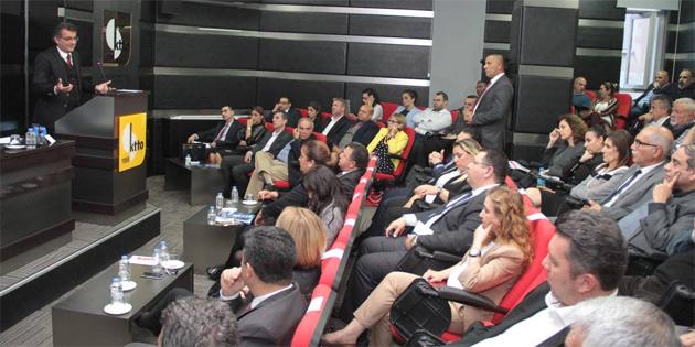 Başbakan Erhürman, kamu görevlileri yasa tasarısı ile ilgili Kıbrıs Türk Ticaret Odası'nda düzenlenen değerlendirme toplantısına katıldı