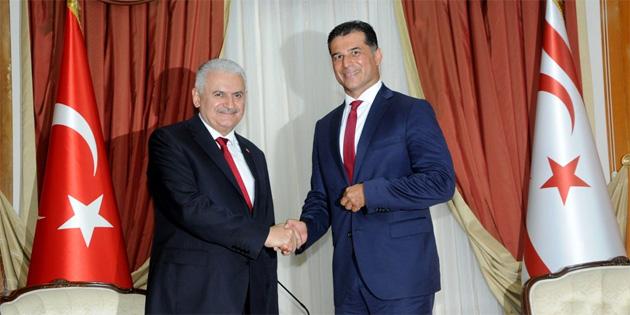 TC Başbakanı Yıldırım, Başbakan Özgürgün'ü ziyaret etti