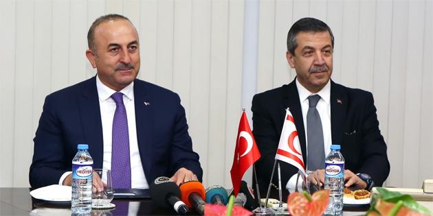 """""""Kıbrıs Türk halkı hak etmediği belirsizlik ortamından bir an önce çıkarılmalıdır"""""""