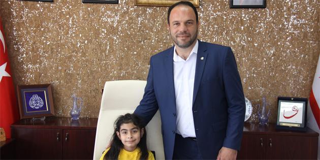 Başkan Sadıkoğlu görevini Pakizenur Çevik'e devretti