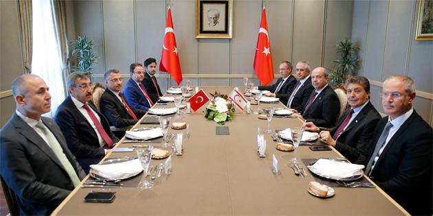 Tatar Ankara'da Oktay ile görüştü