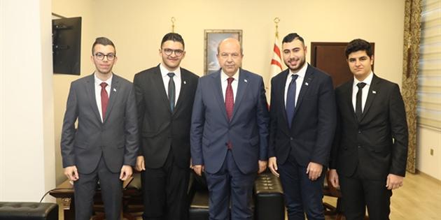 """Tatar """"Egemen eşitlik temelinde iki devletten başka çaremiz yok"""""""