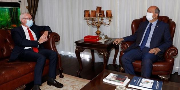 Cumhurbaskanı Ersin Tatar , Alman Büyükelçi Franz Josef Kremp onuruna veda yemeği verdi