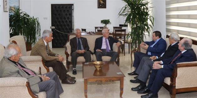 Maliye Bakanı Serdar Denktaş, Kıbrıs TMT mücahitler derneği heyetini kabul etti