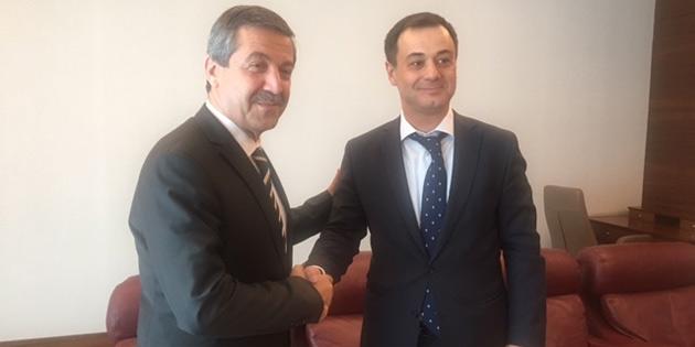 Ertuğruloğlu, İİT Gençlik Formu Başkanı İskenderov ile görüştü