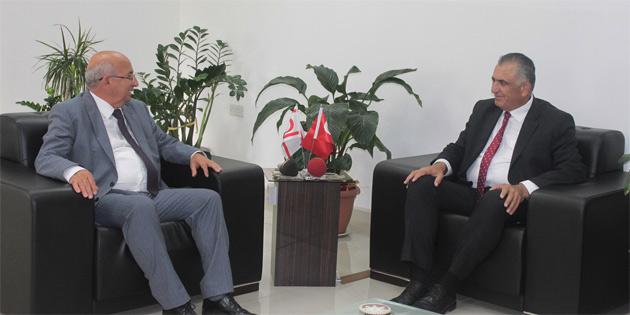 Milli Eğitim ve Kültür Bakanı Çavuşoğlu, görevi Cemal Özyiğit'ten devraldı