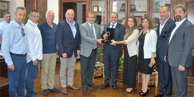 Atao�lu, Akdeniz Turistik Otelciler ve ��letmecileri Birli�i'ni kabul etti