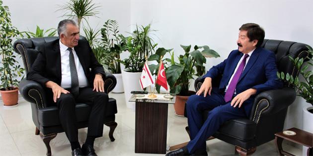 Milli Eğitim ve Kültür Bakanı Çavuşoğlu, Türksoy Genel Sekreteri Düsen Kaseinov'u kabul etti