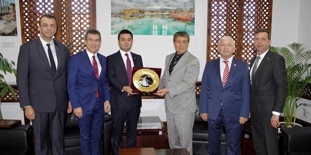 Bakan Üstel, Çorlu Ticaret ve Sanayi Odası heyetini kabul etti