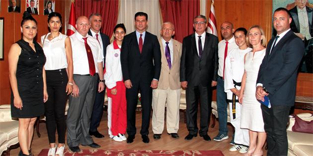 Ba�bakan �zg�rg�n Taekwondo Federasyonunu Kabul Etti
