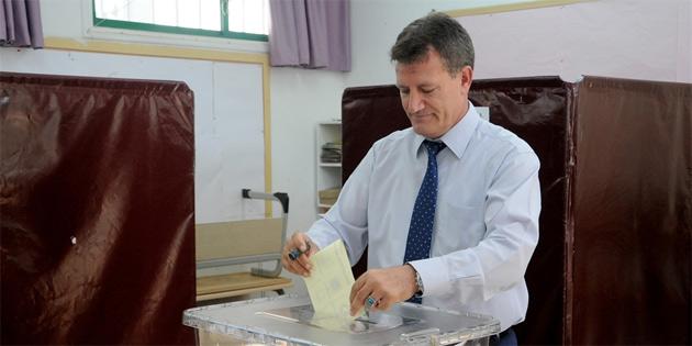 """""""Kıbrıs'ın tarihi boyunca en heyecansız seçimi"""""""