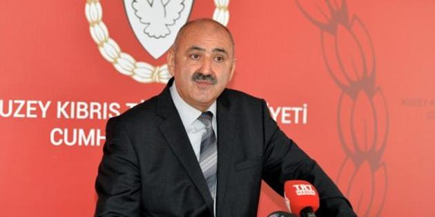 Cumhurba�kanl���'ndan D��i�leri Bakan� Ertu�rulo�lu'na Ele�tiri