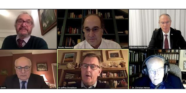 'Kıbrıs için çözüm olasılıkları' düzenlenen çevrimiçi seminerde tartışıldı