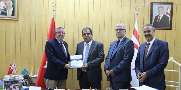 Sa�l�k Bakan� Faiz Sucuo�lu, GA�'den Yrd. Do�.Dr. Mehmet Zeki Avc� ile Prof. Dr. Ahmet Ba�ustao�lu'nu kabul etti