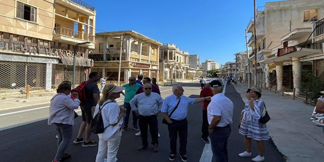 """Sözde """"Belediye Başkanı"""" Yoannu kapalı Maraş'ı ziyaret etti"""