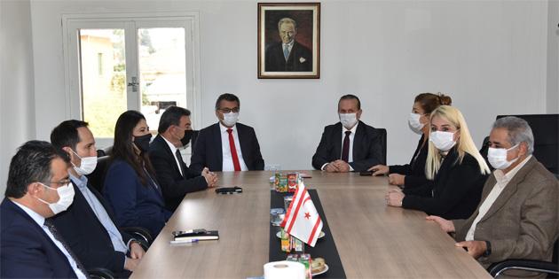 Cumhuriyetçi Türk Partisi heyeti, Demokrat Parti'yi ziyaret etti