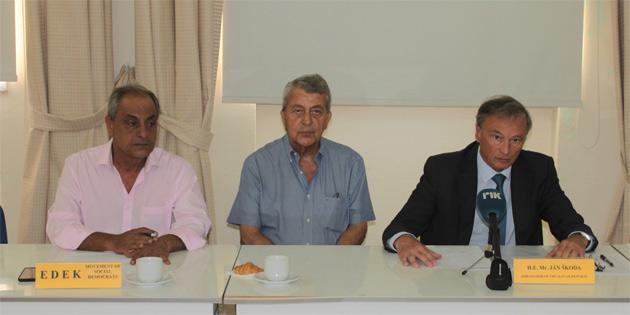 Siyasi partilerin iki toplumlu diyalog toplantıları devam etti