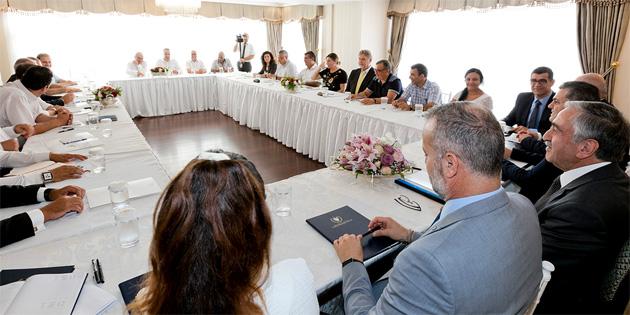 Cumhurbaşkanı Akıncı, bilgilendirme toplantısı yaptı