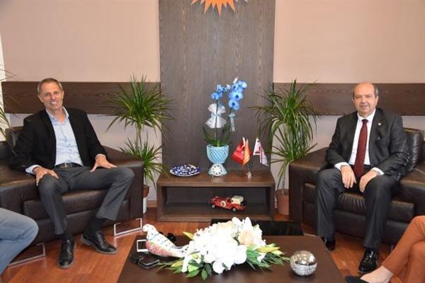 Ersin Tatar Hava-Sen'i kabul etti