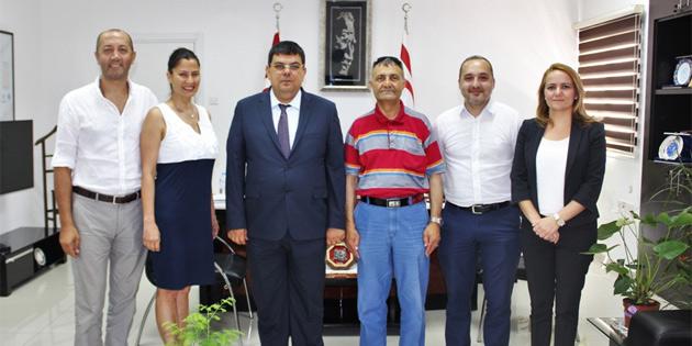 Berova, Manchester Dil okullar� ve Edu-Point Yurtd��� E�itim Dan��man� Prof. Saat'� kabul etti