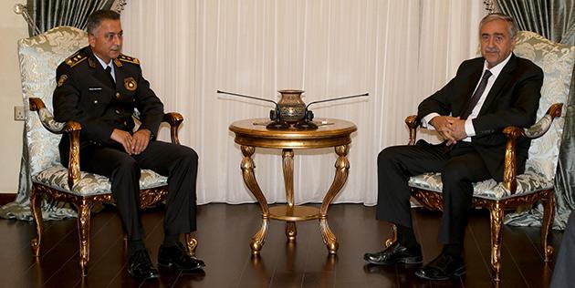 Cumhurba�kan� Ak�nc�, Polis Genel M�d�r� Manavo�lu'nu kabul etti