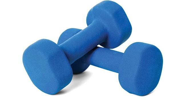 Şimdi elinizdeki ağırlıkları yavaşça yerine koyun