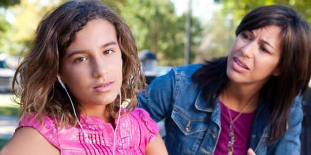 14 yaşındaki her dört kızdan birinde depresyon görülüyor