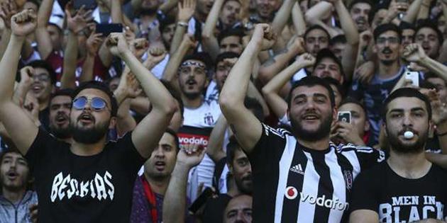Beşiktaş'tan taraftarına 4 dilde çağrı