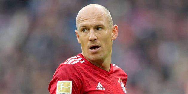 Arjen Robben ikna edici transfer tekliflerine açık