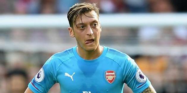 Arsenal'de Mesut Özil tehlikesi