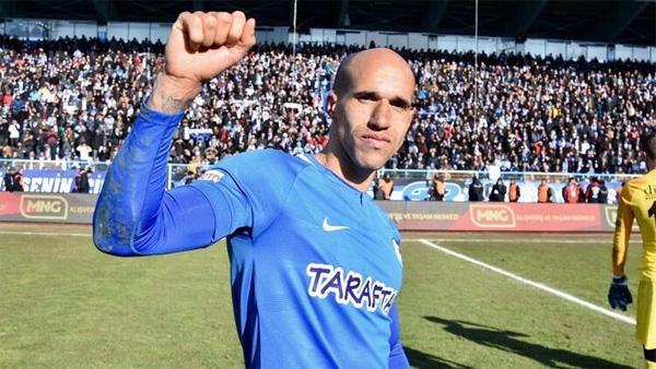 Trabzonspor transferde sağ gösterip sol vurdu. Obertan'la anlaşma tamam