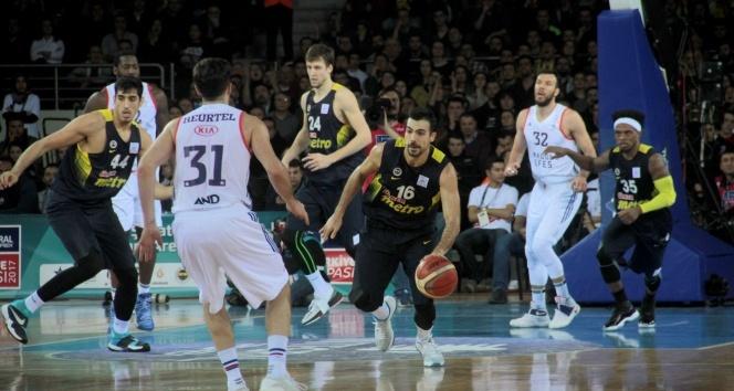 Anadolu Efes: 82 - Fenerbahçe: 74