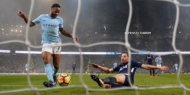 Manchester City'nin antrenmanında Sterling'e ırkçı saldırı
