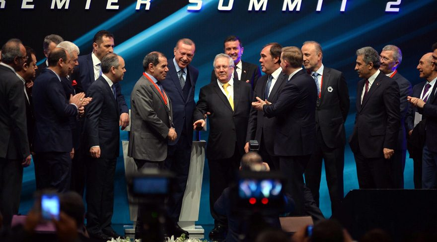 Cumhurbaşkanı Recep Tayyip Erdoğan Aziz Yıldırım ve Dursun Özbek'i barıştırdı