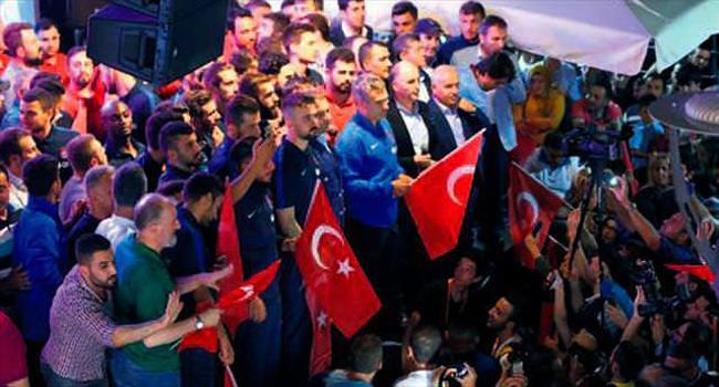 Trabzonspor kul�b� 'demokrasi n�beti'nde