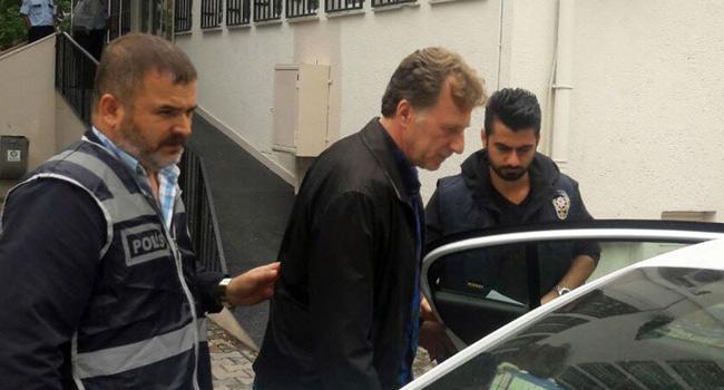 Galatasarayl� eski futbolcu �smail Demiriz tutukland�