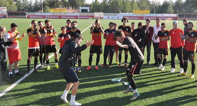 K�z�lcab�l�kspor tarihinde ilk kez gruplara kald� (2-1)