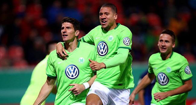Gomez att� Wolfsburg turlad�