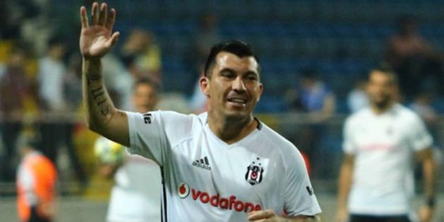 Beşiktaş'ı köy takımı zannettiler