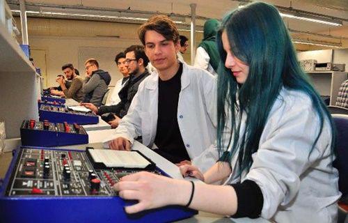 İzmir Ekonomi Üniversitesi uydu üretecek!