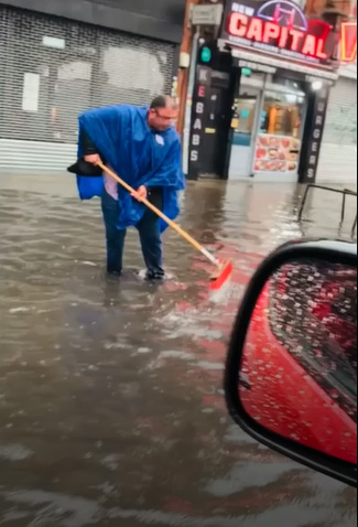 http://www.starkibris.net/video/dunya/rain1.jpg