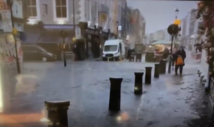 http://www.starkibris.net/video/dunya/rain3.jpg
